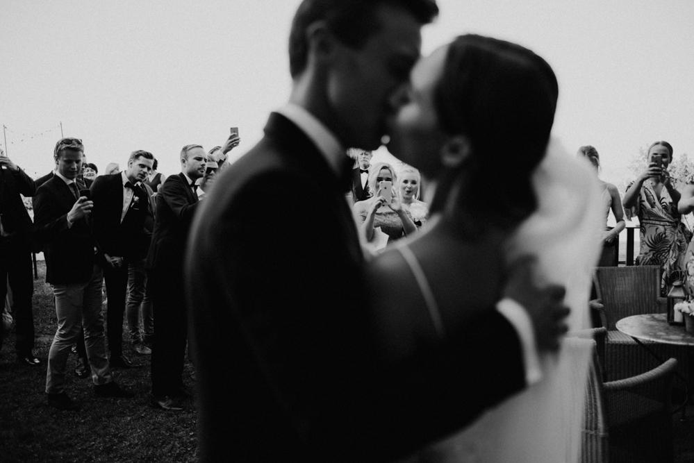Norwegian destination wedding at Castello di Tassara
